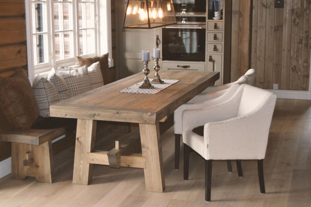 Rustikt spisebord, Fjellmøbler